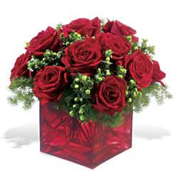 Gümüşhane internetten çiçek siparişi  9 adet kirmizi gül cam yada mika vazoda