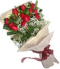 11 adet kirmizi güllerden özel buket  Gümüşhane çiçek mağazası , çiçekçi adresleri