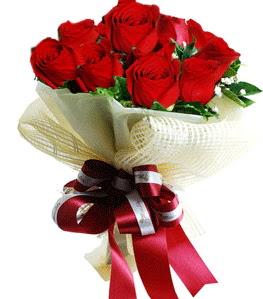 9 adet kırmızı gülden buket tanzimi  Gümüşhane çiçekçiler