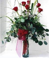 Gümüşhane hediye sevgilime hediye çiçek  7 adet gül özel bir tanzim