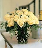 Gümüşhane hediye sevgilime hediye çiçek  11 adet sari gül mika yada cam vazo tanzim