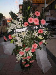 kazablanka,gerbera,sebboy ferforje  Gümüşhane anneler günü çiçek yolla
