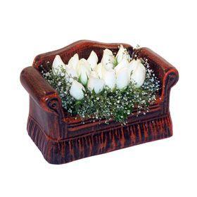 seramik içerisinde 11 gül  Gümüşhane 14 şubat sevgililer günü çiçek