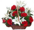 sepette gül ve kazablankalar   Gümüşhane anneler günü çiçek yolla