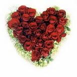 kalp biçiminde 15 gülden   Gümüşhane ucuz çiçek gönder