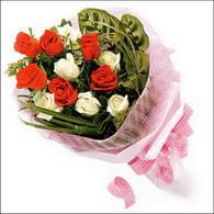 5 kirmizi 5 beyaz güllerden   Gümüşhane güvenli kaliteli hızlı çiçek