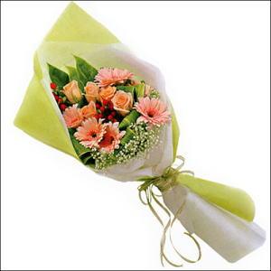 sade güllü buket demeti  Gümüşhane anneler günü çiçek yolla