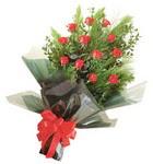 12 adet kirmizi gül buketi   Gümüşhane anneler günü çiçek yolla