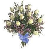bir düzine beyaz gül buketi   Gümüşhane çiçekçiler