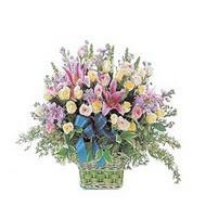 sepette kazablanka ve güller   Gümüşhane çiçek siparişi vermek