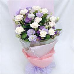 Gümüşhane çiçek online çiçek siparişi  BEYAZ GÜLLER VE KIR ÇIÇEKLERIS BUKETI