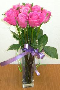 cam vazo içerisinde 11 adet gül  Gümüşhane çiçek online çiçek siparişi