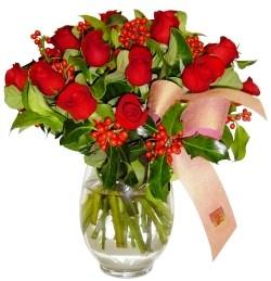 Gümüşhane anneler günü çiçek yolla  11 adet kirmizi gül  cam aranjman halinde