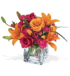 Gümüşhane çiçek satışı  cam içerisinde kir çiçekleri demeti