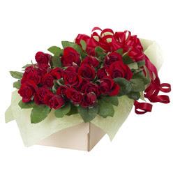 19 adet kirmizi gül buketi  Gümüşhane ucuz çiçek gönder