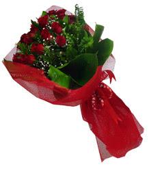 Gümüşhane çiçekçiler  10 adet kirmizi gül demeti