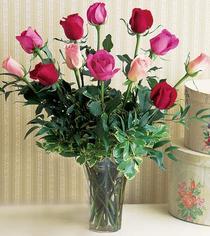 Gümüşhane çiçek satışı  12 adet karisik renkte gül cam yada mika vazoda