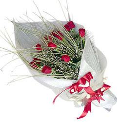 Gümüşhane hediye çiçek yolla  11 adet kirmizi gül buket- Her gönderim için ideal