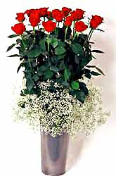 Gümüşhane yurtiçi ve yurtdışı çiçek siparişi  9 adet kirmizi gül cam yada mika vazoda