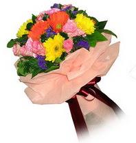 Gümüşhane anneler günü çiçek yolla  Karisik mevsim çiçeklerinden demet