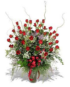 Gümüşhane hediye sevgilime hediye çiçek  33 adet kirmizi gül vazo içerisinde