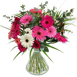 15 adet gerbera ve vazo çiçek tanzimi  Gümüşhane güvenli kaliteli hızlı çiçek