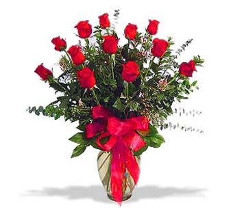 çiçek siparisi 11 adet kirmizi gül cam vazo  Gümüşhane güvenli kaliteli hızlı çiçek