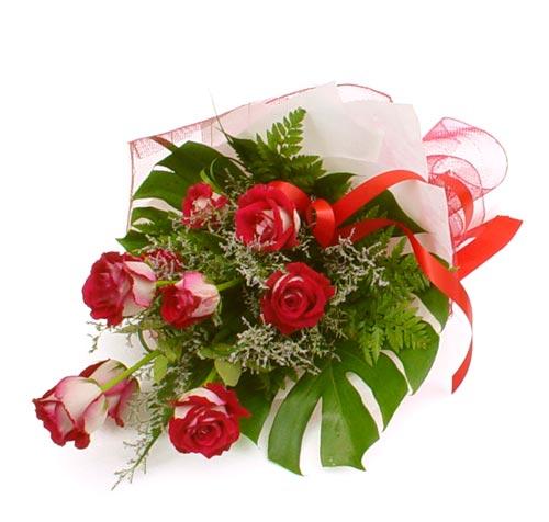 çiçek gönder 7 adet kirmizi gül buketi  Gümüşhane çiçek , çiçekçi , çiçekçilik