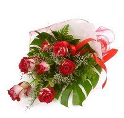 Çiçek gönder 9 adet kirmizi gül buketi  Gümüşhane kaliteli taze ve ucuz çiçekler