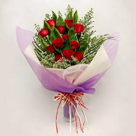 çiçekçi dükkanindan 11 adet gül buket  Gümüşhane anneler günü çiçek yolla