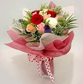Karisik renklerde 11 adet gül buketi  Gümüşhane çiçek siparişi vermek