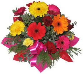 Karisik mevsim çiçeklerinden buket  Gümüşhane çiçek yolla