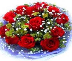 9 adet kirmizi güllerden buket  Gümüşhane online çiçek gönderme sipariş