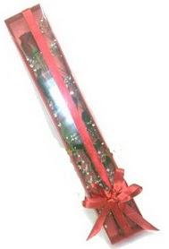 tek kutu içerisinde kirmizi gül  Gümüşhane hediye sevgilime hediye çiçek