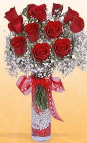 10 adet kirmizi gülden vazo tanzimi  Gümüşhane hediye sevgilime hediye çiçek