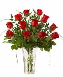 cam yada mika vazo içerisinde 9 kirmizi gül  Gümüşhane hediye sevgilime hediye çiçek