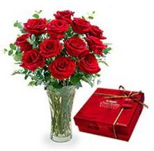 Gümüşhane anneler günü çiçek yolla  10 adet cam yada mika vazoda gül çikolata