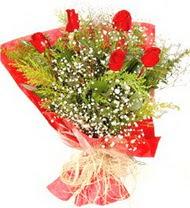 Gümüşhane çiçek gönderme sitemiz güvenlidir  5 adet kirmizi gül buketi demeti