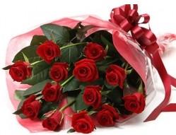 Gümüşhane çiçek gönderme sitemiz güvenlidir  10 adet kipkirmizi güllerden buket tanzimi