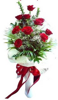 Gümüşhane uluslararası çiçek gönderme  10 adet kirmizi gül buketi demeti
