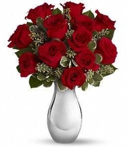 Gümüşhane kaliteli taze ve ucuz çiçekler   vazo içerisinde 11 adet kırmızı gül tanzimi