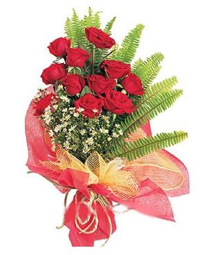 Gümüşhane internetten çiçek satışı  11 adet kırmızı güllerden buket modeli