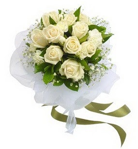 Gümüşhane çiçekçi mağazası  11 adet benbeyaz güllerden buket