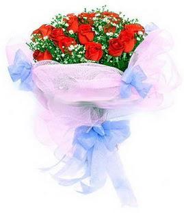 Gümüşhane hediye sevgilime hediye çiçek  11 adet kırmızı güllerden buket modeli