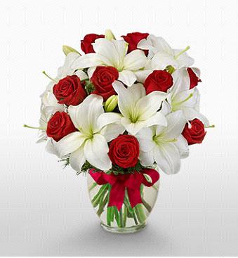 Gümüşhane 14 şubat sevgililer günü çiçek  1 dal kazablanka 11 adet kırmızı gül vazosu