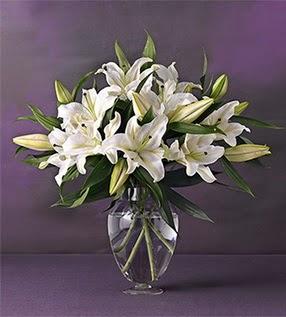 Gümüşhane internetten çiçek satışı  4 dal cazablanca vazo çiçeği