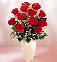 Gümüşhane anneler günü çiçek yolla  9 adet vazoda özel tanzim kirmizi gül