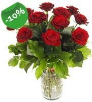 11 adet vazo içerisinde kırmızı gül  Gümüşhane güvenli kaliteli hızlı çiçek