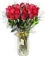 27 adet vazo içerisinde kırmızı gül  Gümüşhane internetten çiçek satışı