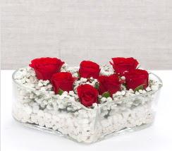 kalp içerisinde 7 adet kırmızı gül  Gümüşhane kaliteli taze ve ucuz çiçekler